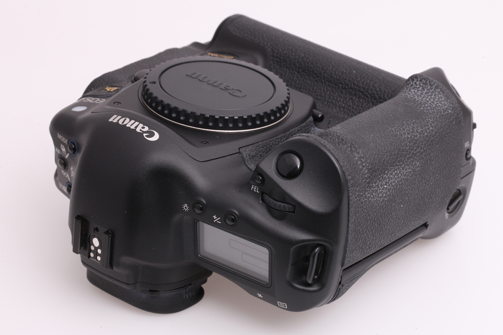 canon eos 1ds vollformat digitalkamera 11 1 megapixel erst 2535 ausl sungen ebay. Black Bedroom Furniture Sets. Home Design Ideas